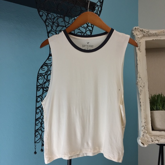 75a7fa58c982b Soft   sexy cream  gray AE muscle tank Nwt -small